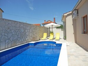 Villa 069