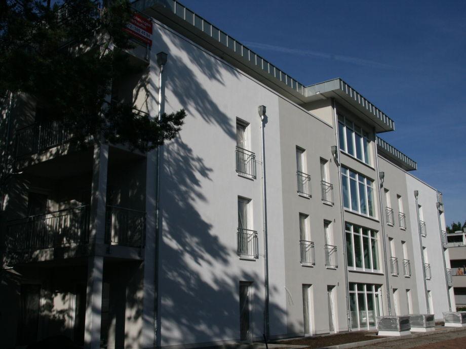 Gebäudeansicht - Haupteingang