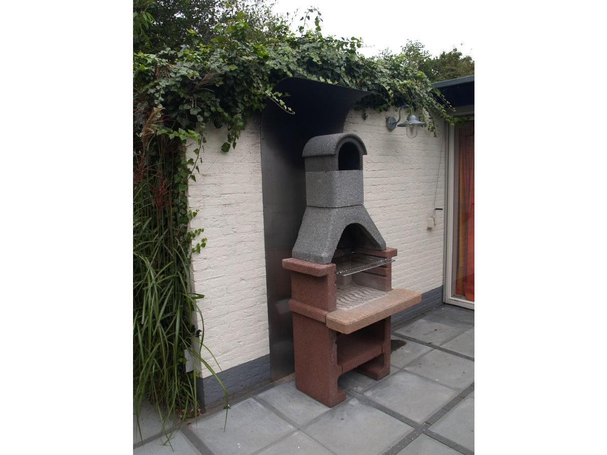 Bungalow vroonweg 48 oostkapelle frau roos weterings for Gemauerter grill