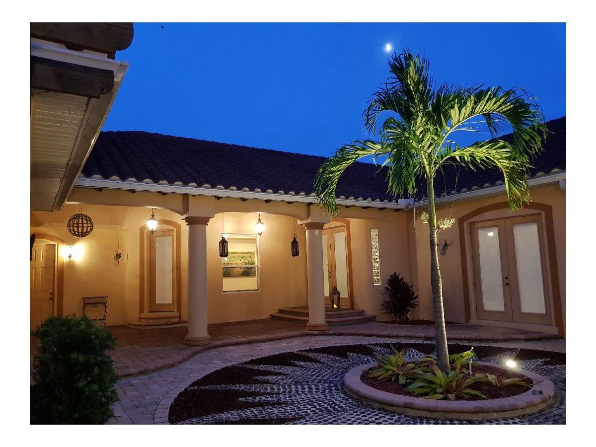 villa unica cape coral frau katja kappe. Black Bedroom Furniture Sets. Home Design Ideas
