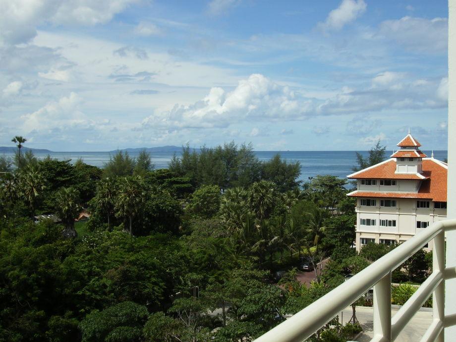 Aussicht vom Balkon zum Meer