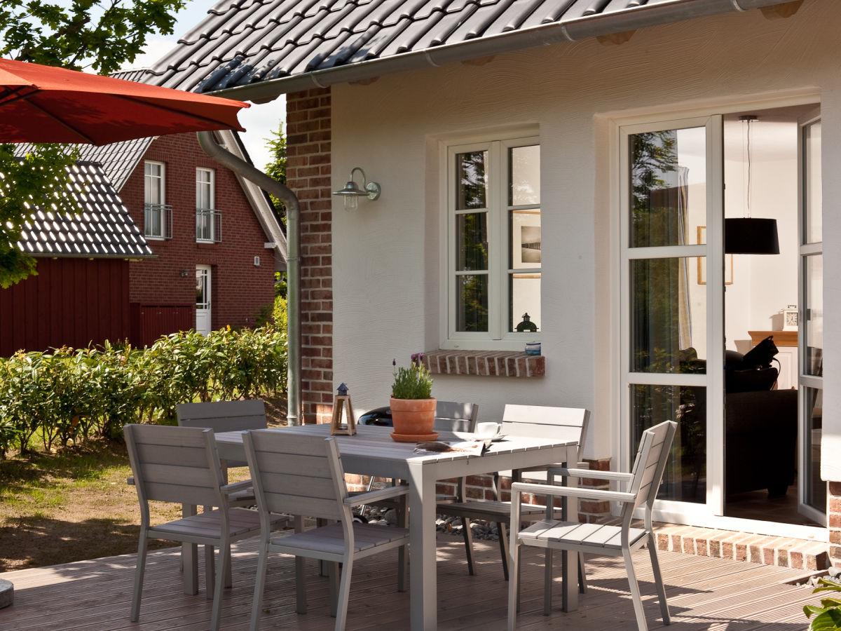 Ferienhaus antje jule r gen sellin ostsee firma for Sellin ferienhaus