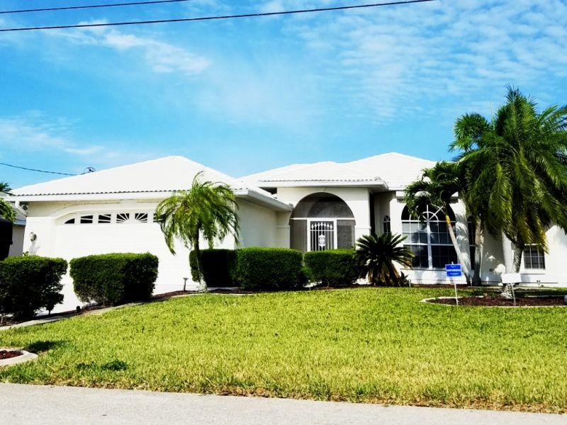Monas White Villa