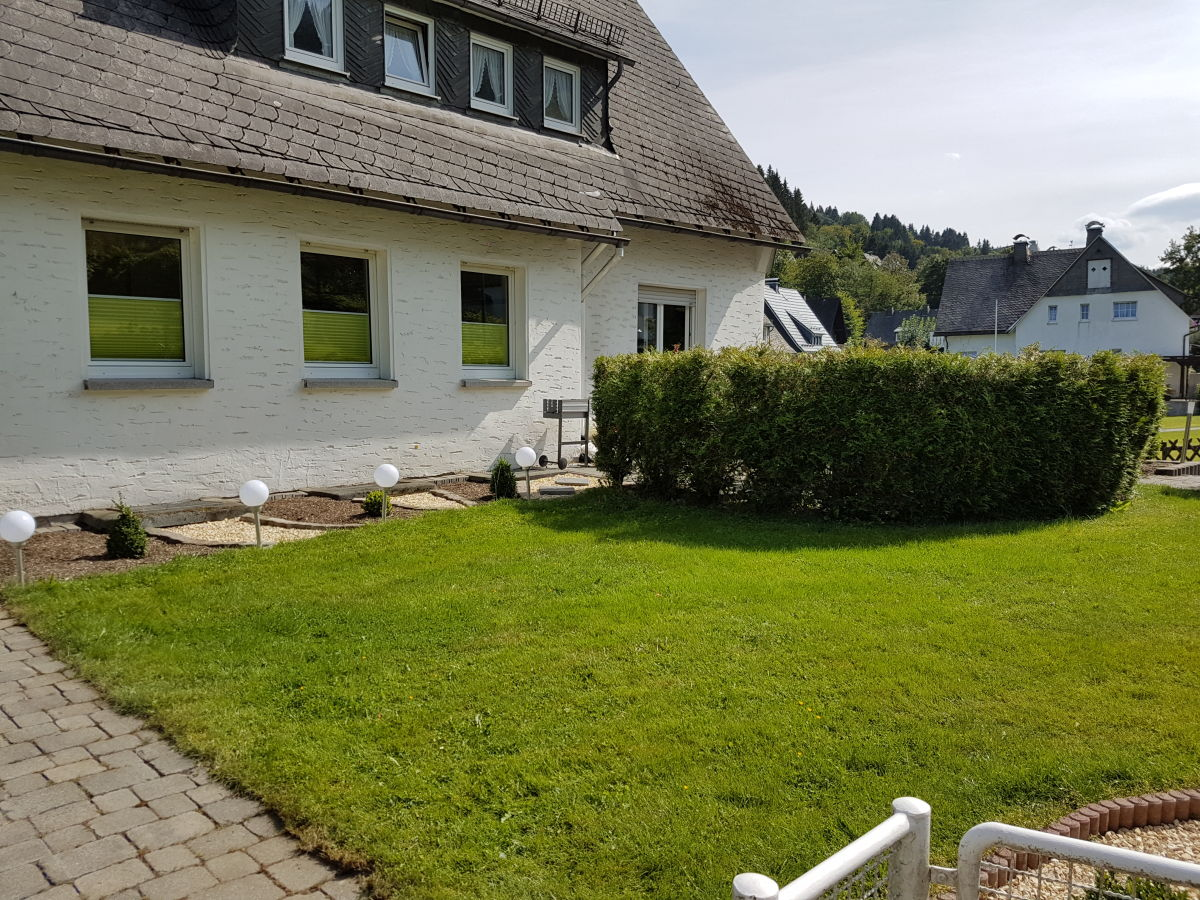 Holiday apartment haus theo hochsauerland ms melanie vogt for Apartment haus