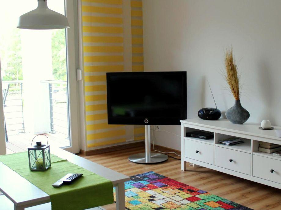 Wohnraum mit einem LCD Flachbildfernseher