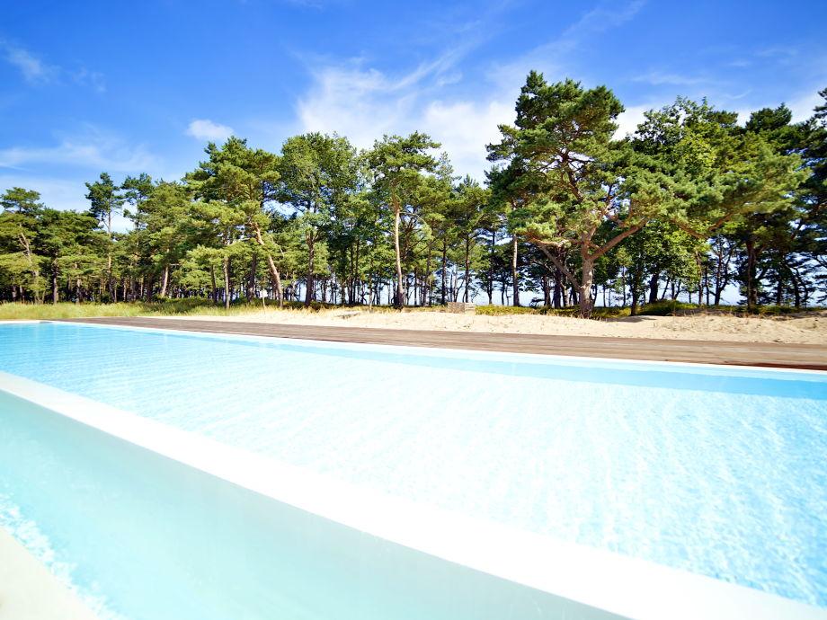Der Pool in der Dünenlandschaft nur 20 m zum Strand