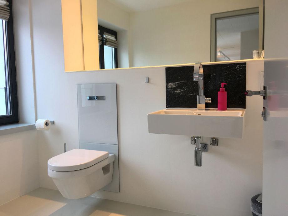 ferienwohnung prora d ne 7 strand loft 12 ostsee r gen. Black Bedroom Furniture Sets. Home Design Ideas
