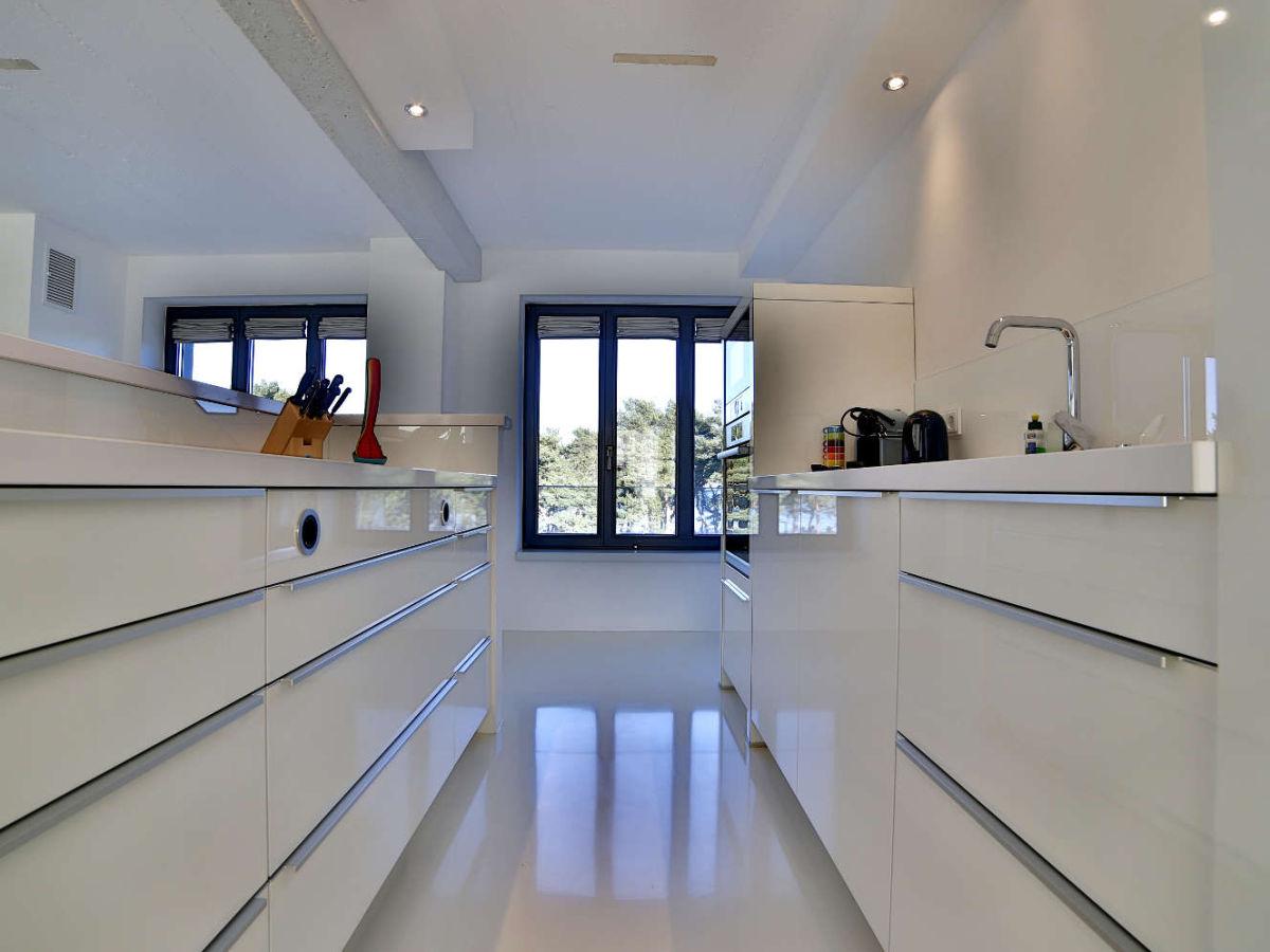 ferienwohnung strandloft 12 in prora d ne 7 360 rundgang binz firma r gens feiner urlaub. Black Bedroom Furniture Sets. Home Design Ideas
