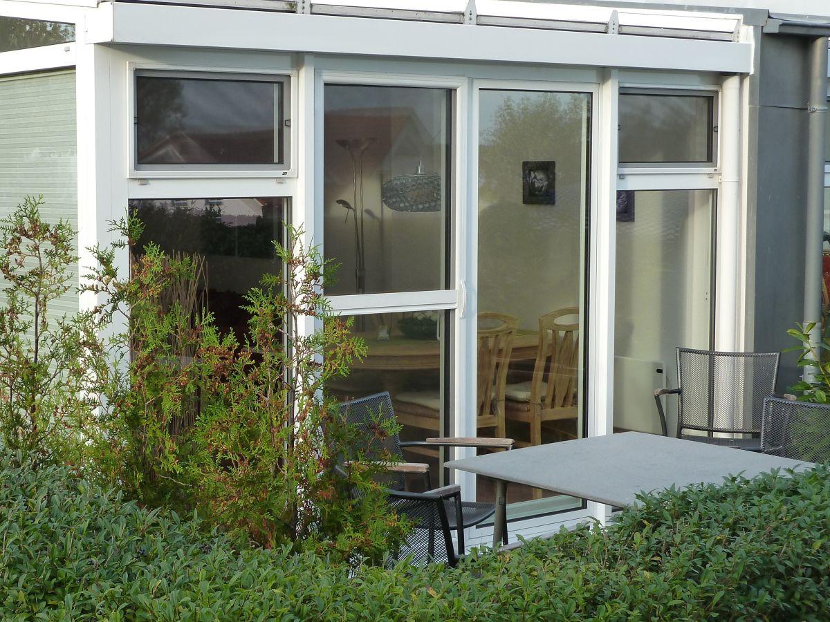ferienhaus meeresbrise r gen frau ronja stegmann. Black Bedroom Furniture Sets. Home Design Ideas