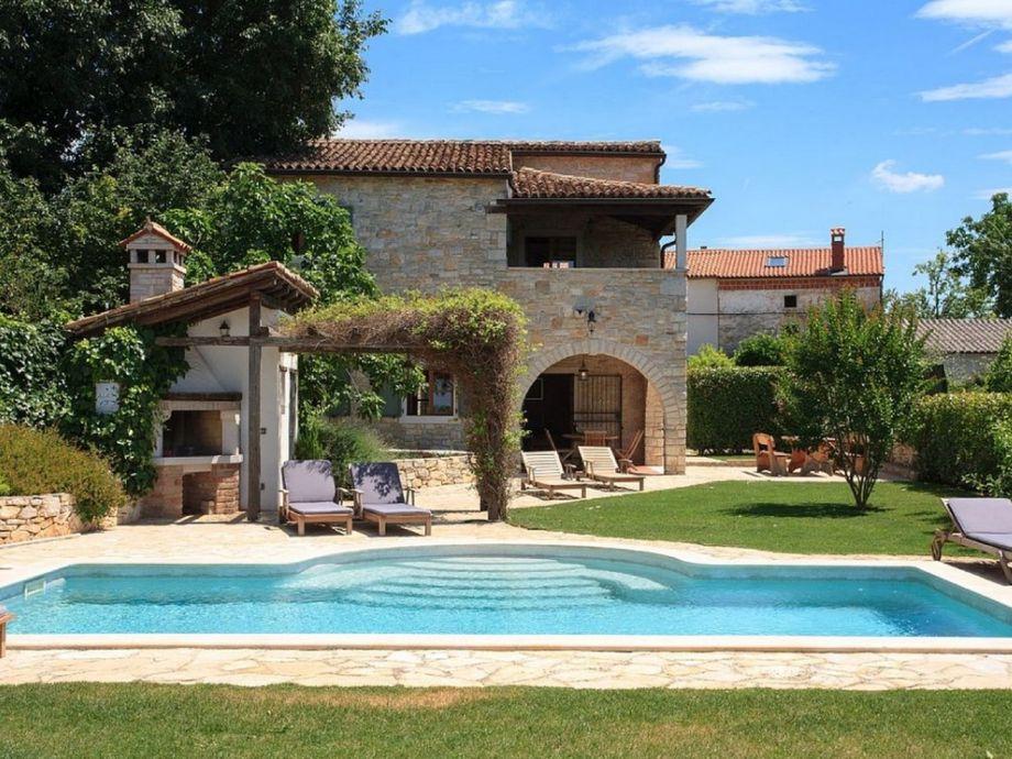 Renovierte Steinvilla mit Pool