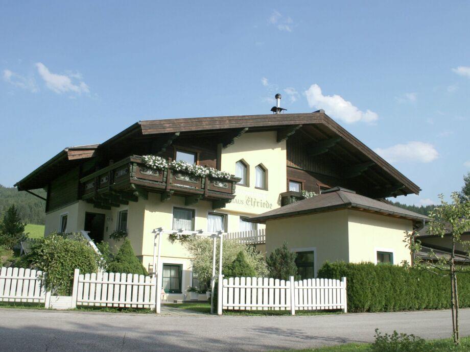 Außenaufnahme Landhaus Elfriede
