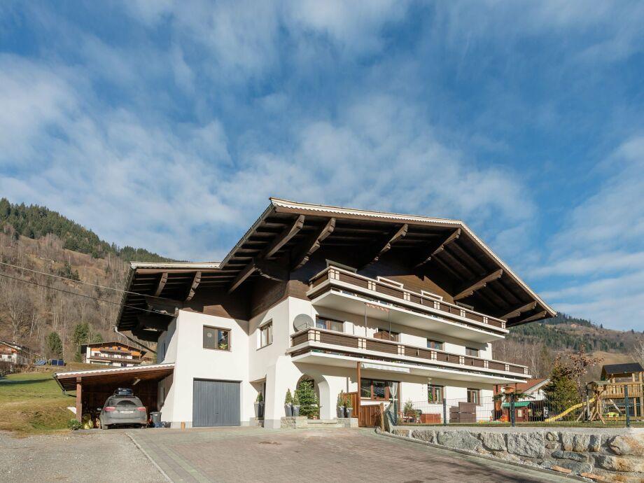 Außenaufnahme Dorfblick Bramberg