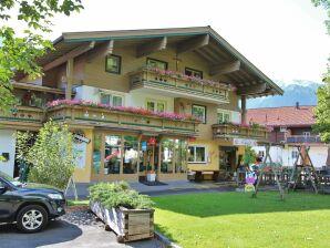 Ferienwohnung Am Dorfplatz Bramberg