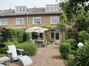Ferienhaus Sunny Garden