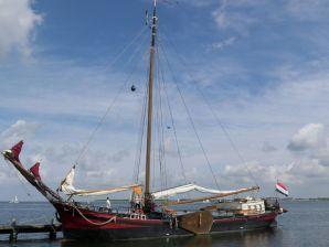 Hausboot Nieuwe Maen