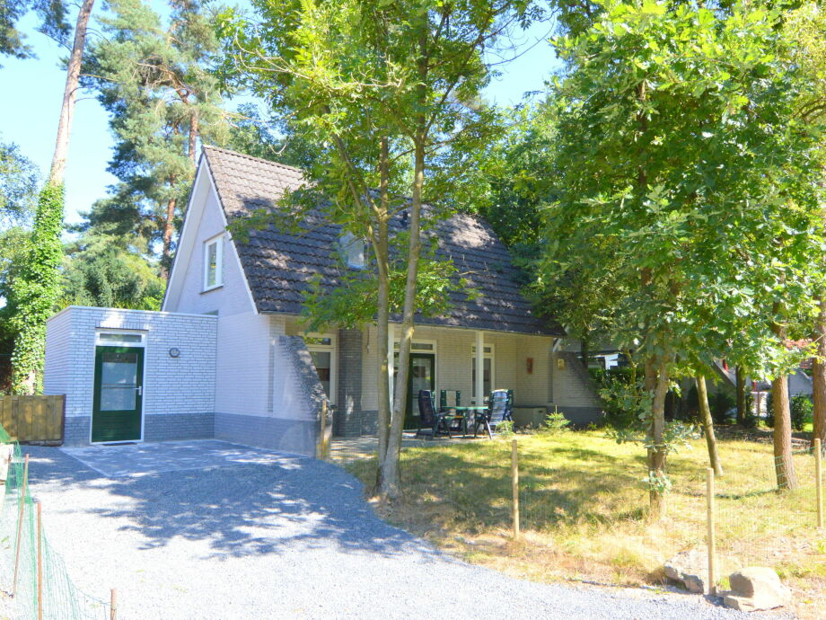 Außenaufnahme Villa van den Bossche