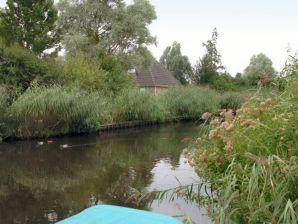 Ferienhaus Wellness aan het Water