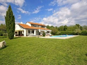Villa Magnolia mit Pool