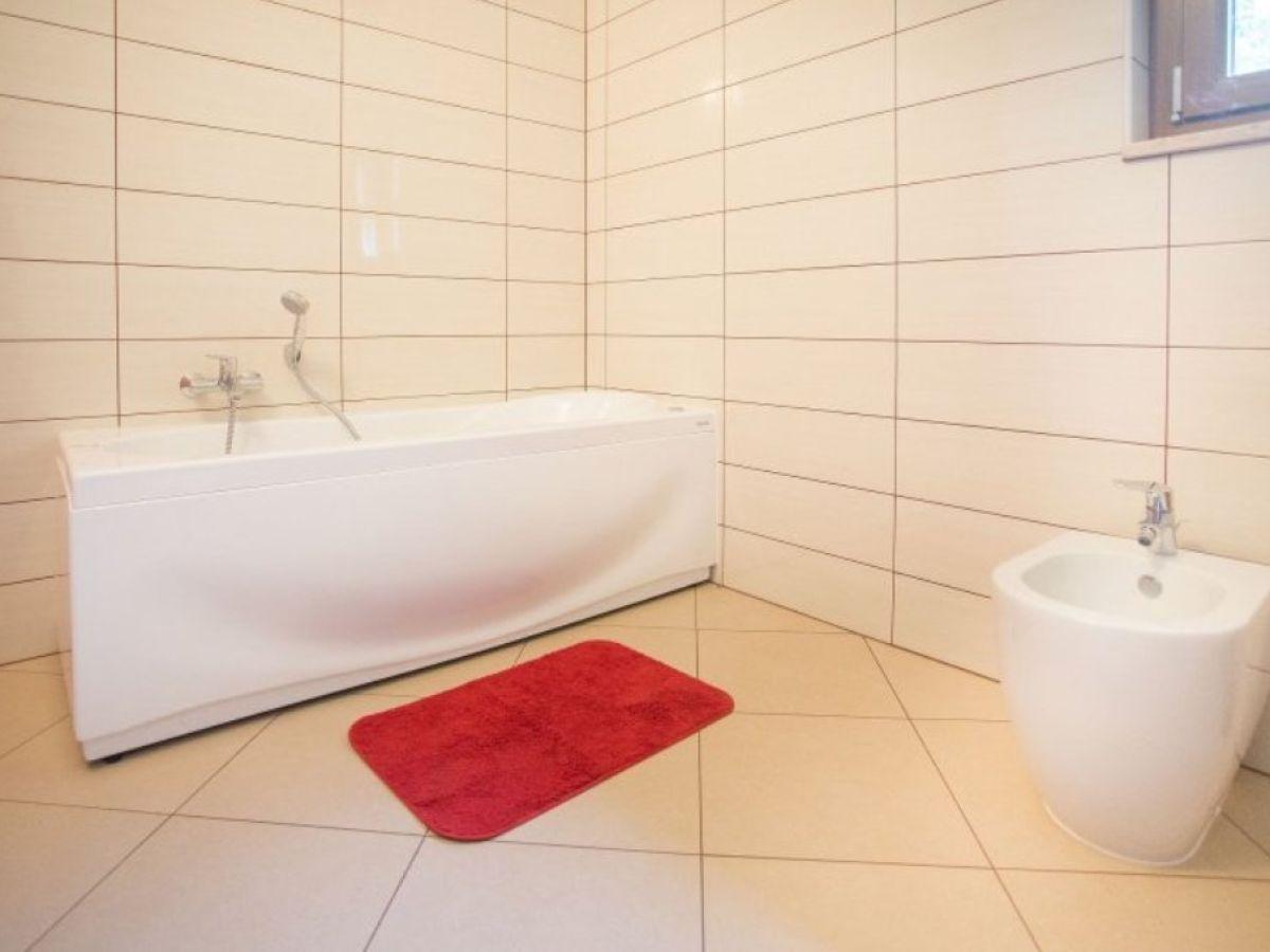 villa mare bei lanterna porec istrien firma istra line. Black Bedroom Furniture Sets. Home Design Ideas
