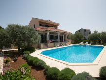 Villa Kari