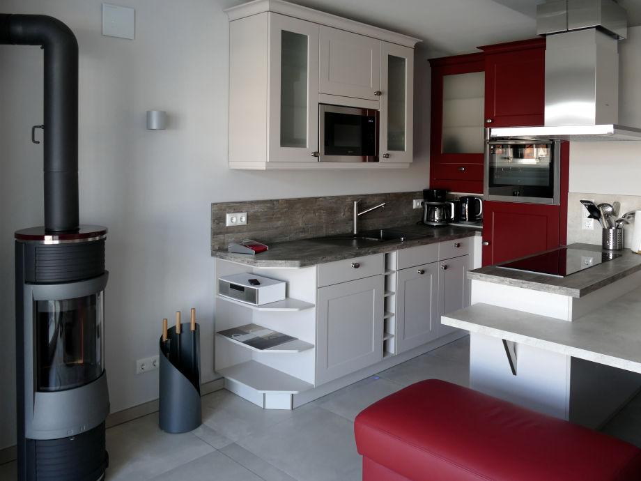Komfortable eingerichtete Küche zum Wohlfühlen