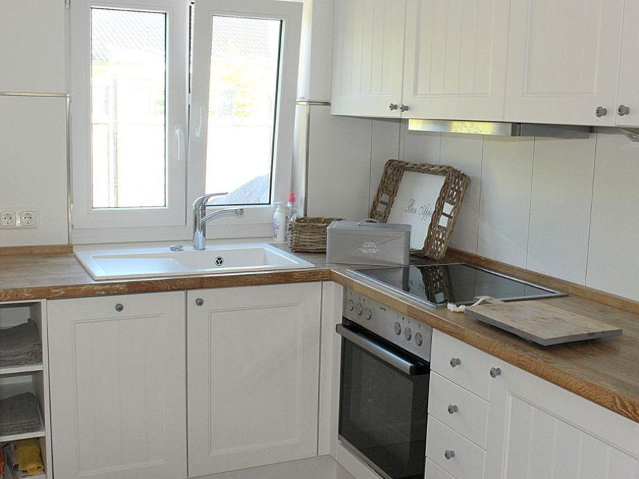 ferienwohnung obj 1 komfortables ferienhaus f r 4 6 personen strandnah ostsee niendorf. Black Bedroom Furniture Sets. Home Design Ideas