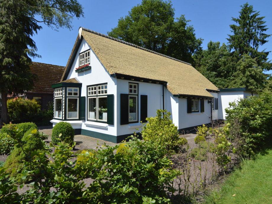 Außenaufnahme Little White Cottage