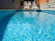 Ferienwohnung Villa Sunrise mit luxury pool und Meerblick