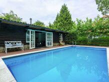 Ferienhaus Poolhouse Golf en Brabant 4p