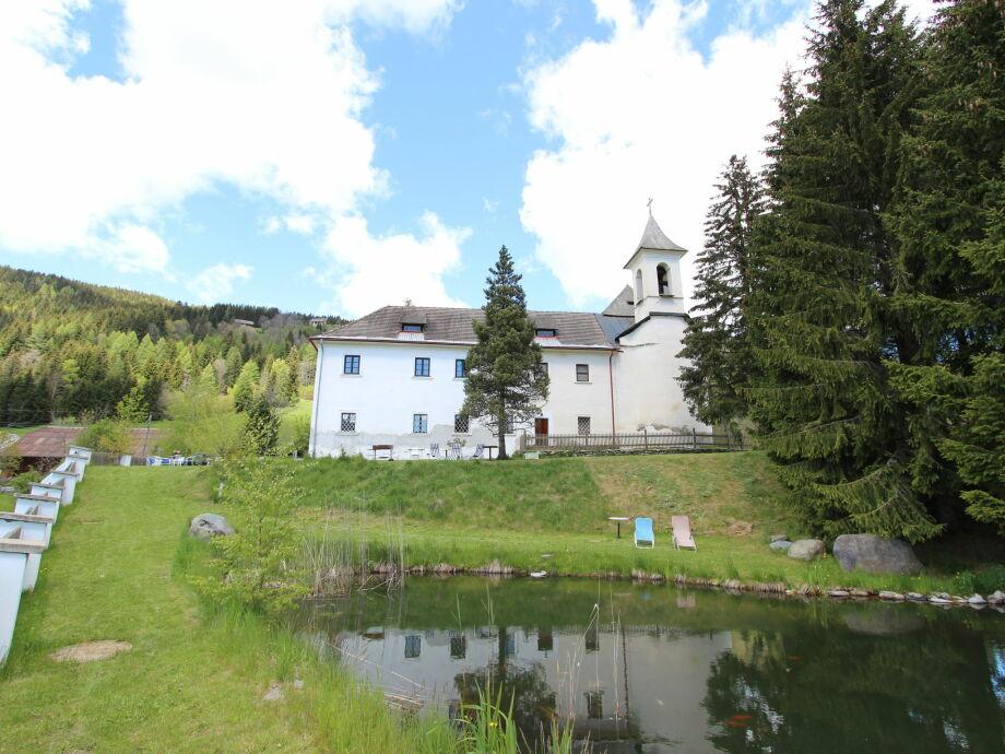 Außenaufnahme Schloss Gnesau