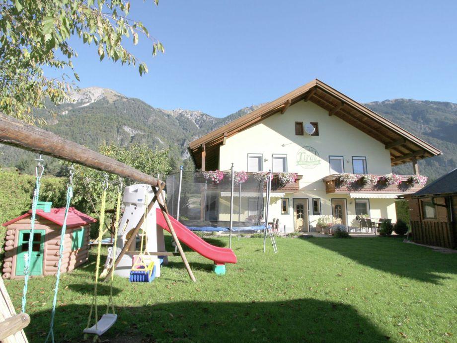 Außenaufnahme Landhaus Tirol