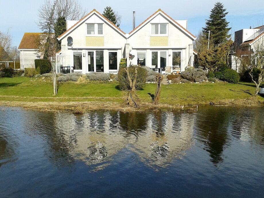 Villa Bella direkt am Wasser
