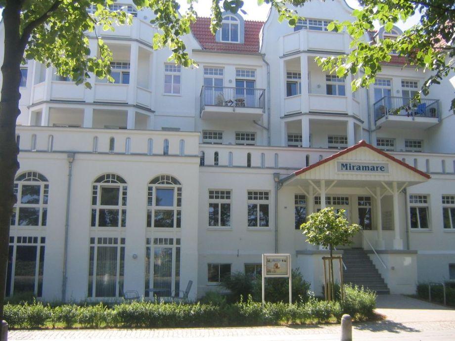 """Wohnung oben links vom """"Miramare"""" Schriftzug"""