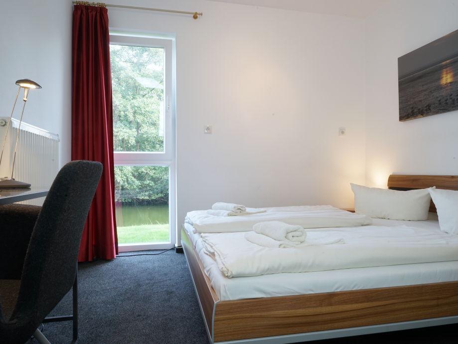 schlafzimmer mit whirlpool wohnideen schlafzimmer mit