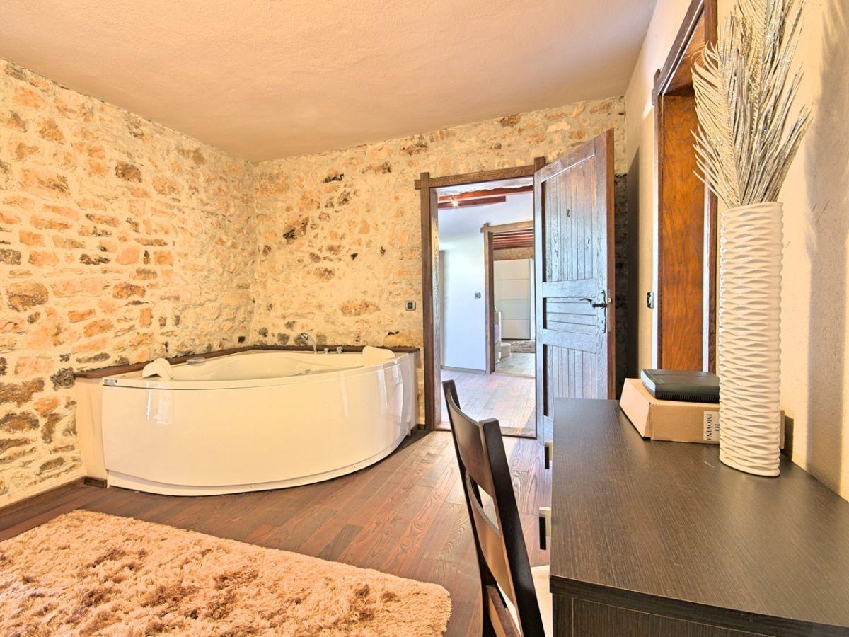 Villa Magnolia, Vižinada, Firma Istria home d.o.o. - Herr Jasmin Sabic