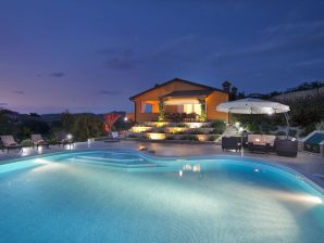 Villa Diora