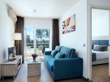 Apartment - No title -