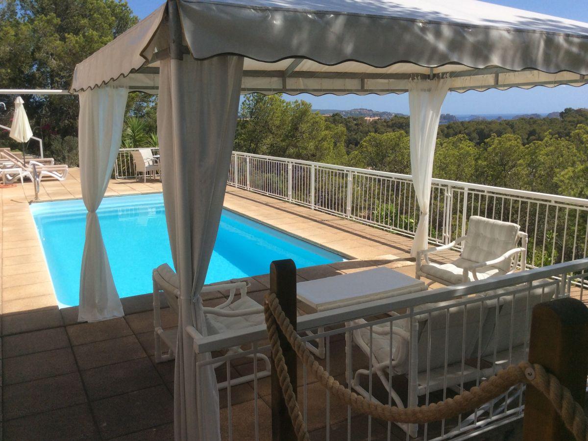 ferienwohnung meerblick pool ruhig in einer villa gelegen mallorca s dwesten paguera. Black Bedroom Furniture Sets. Home Design Ideas