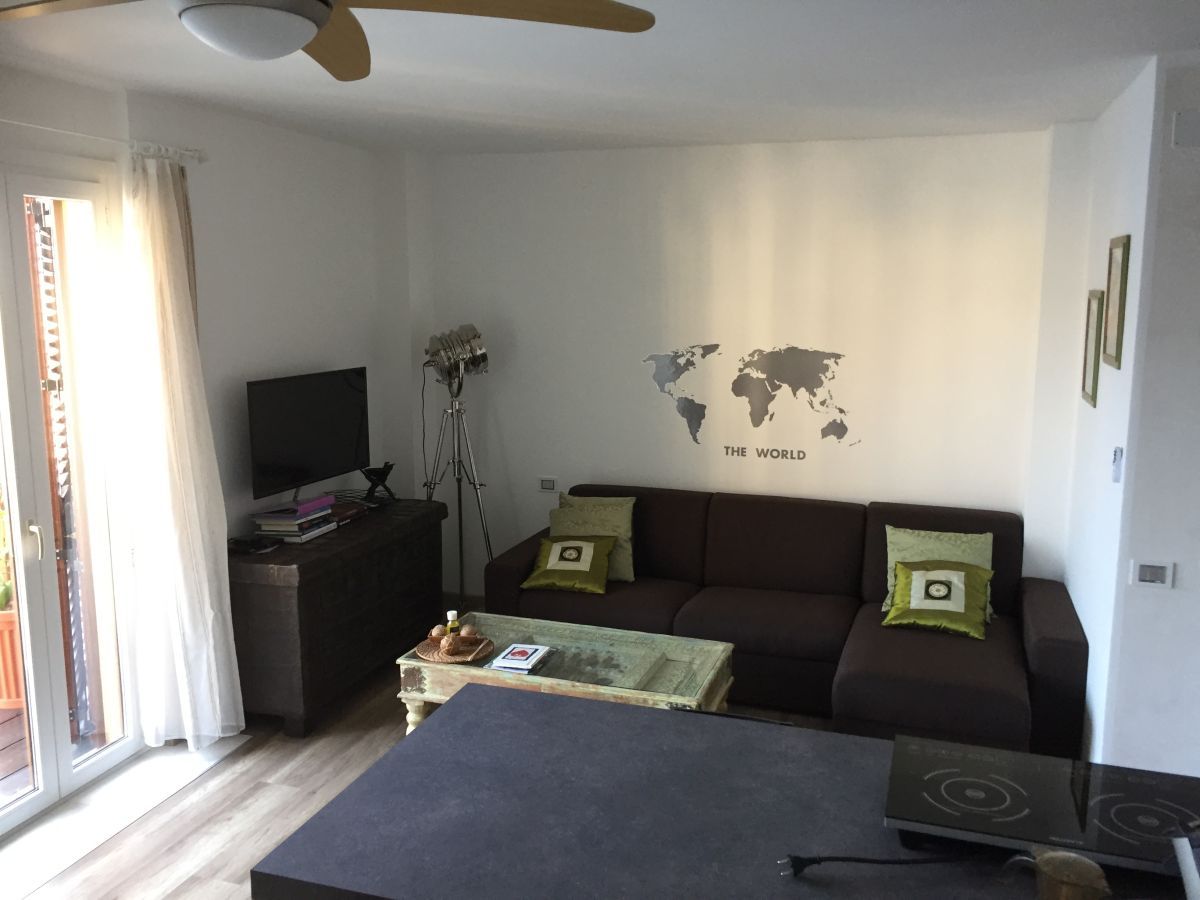 apartment bouganville gardasee lombardei familie cinzia j rg. Black Bedroom Furniture Sets. Home Design Ideas