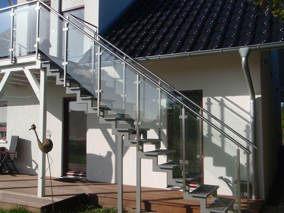 Treppenaufgang für die obere Wohnung