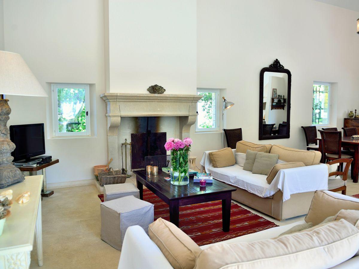 Ferienhaus 811 apt provence apt firma coquelicot gmbh for Wohnzimmer mit kamin