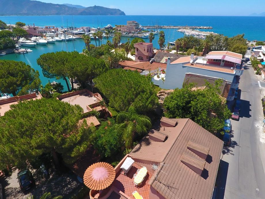 Ferienwohnung mit Dachterrasse am Yachthafen Portorosa