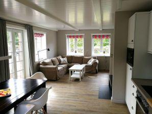 "Ferienhaus ""Steuerbord"" im Haus Strandweg 8"