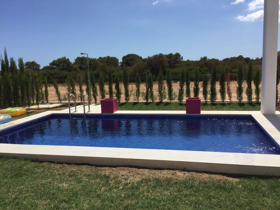 Designer traumdomizil villa cala murada mallorca frau for Garten pool xxl