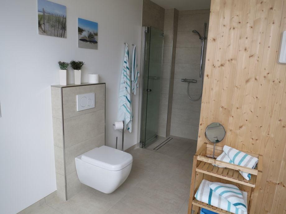 badezimmer mit sauna inspiration f r die. Black Bedroom Furniture Sets. Home Design Ideas