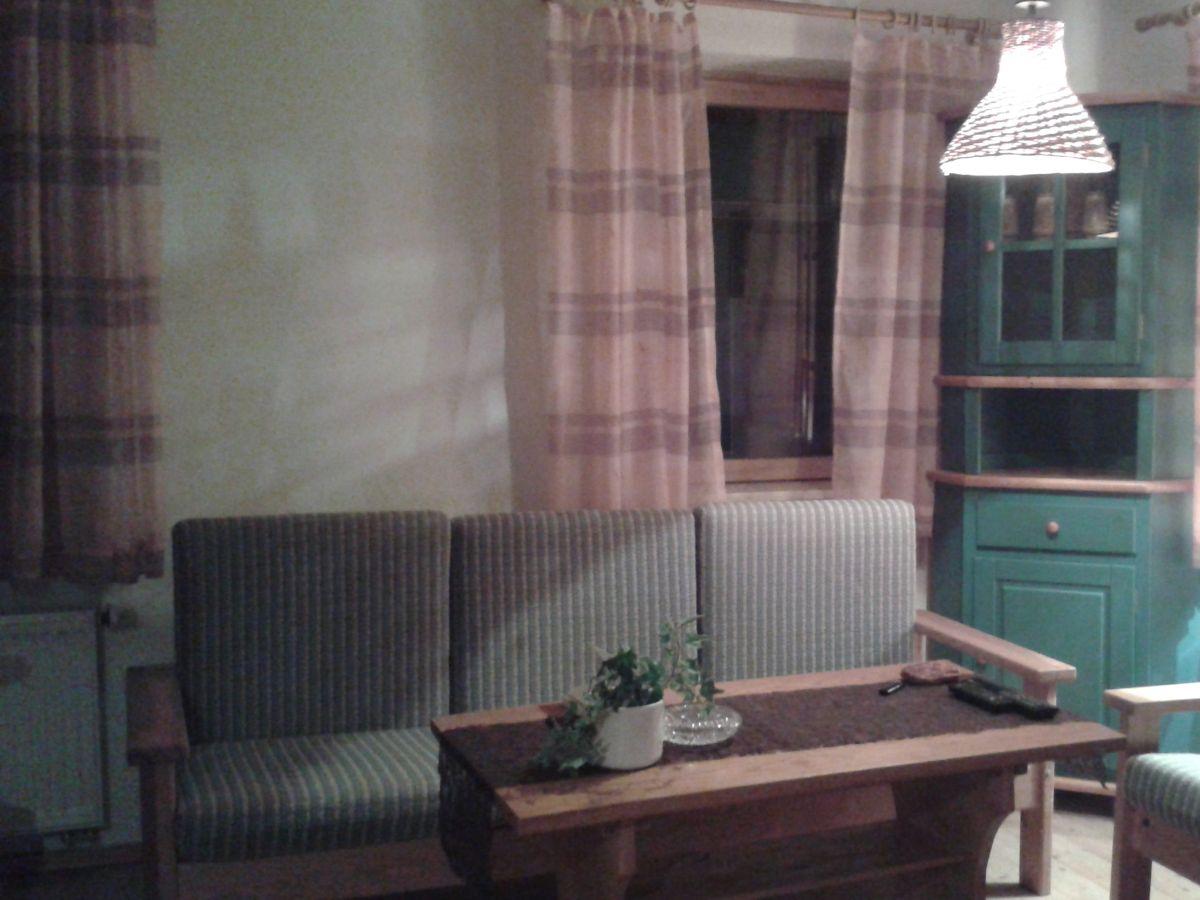 Ferienhaus bei der gro en linde wilhelmsthal frau nina for Wohnzimmer coburg