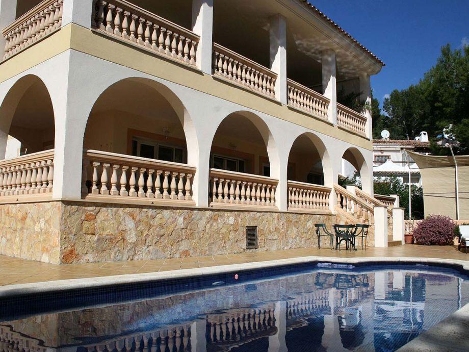 Haus mit Pool (3,5 x 9 m)