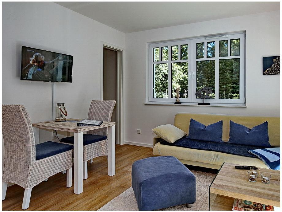 Wohn- / Essbereich mit Flachbild-TV
