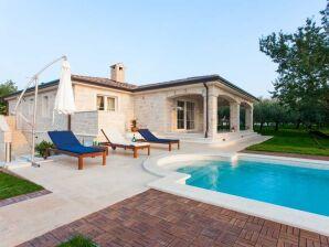 Villa 951