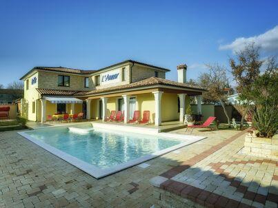 Villa 993